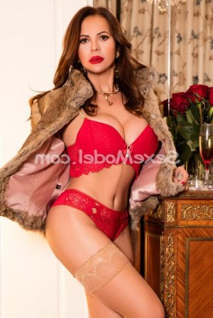 Lenora rencontre libertine escort girl